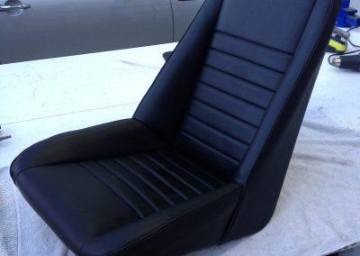 01-lotus-elan-black-vinyl-seat