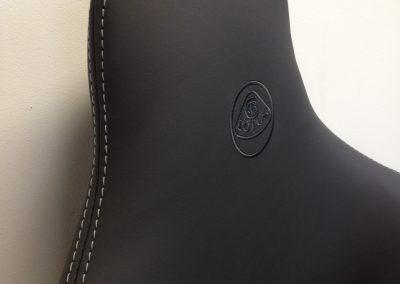 02-lotus-elise-leather-seats-embroidered-logo