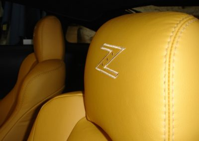 08-nissan-350z-leather-seats-embroidered-logo