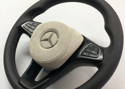 37-mercedes-vito-steering-wheel-black-perforated-leather-grey-alcantara