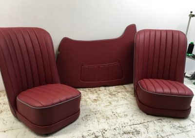 01-austin-7-seats-trimmed-leather-piping