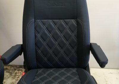 01-vw-t5-seats-leather-diamond-stitch