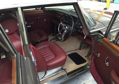 02-rover-p5-interior-restoration-leather-seats