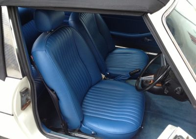 02-triumph-stag-interior-restoration-blue-leather-new-carpets