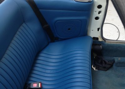06-triumph-stag-interior-restoration-blue-leather-seats
