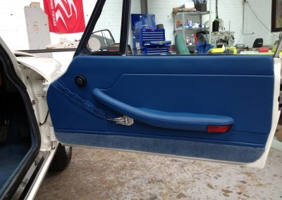 09-triumph-stag-interior-restoration-blue-leather-door