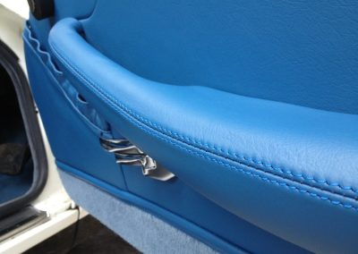 10-triumph-stag-interior-restoration-blue-leather-door