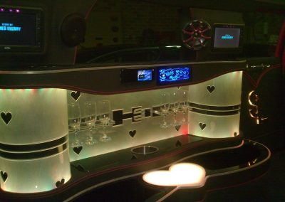 11-limousine-interior-champagne-glasses-bar