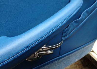 11-triumph-stag-interior-restoration-blue-leather-door