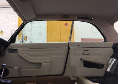 12-jaguar-xjs-V12-coupe-ivory-leather-doors