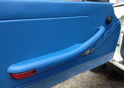 12-triumph-stag-interior-restoration-blue-leather-door