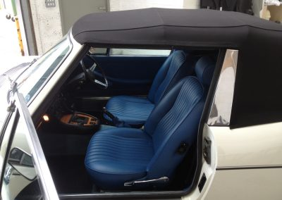 13-triumph-stag-interior-restoration-blue-leather
