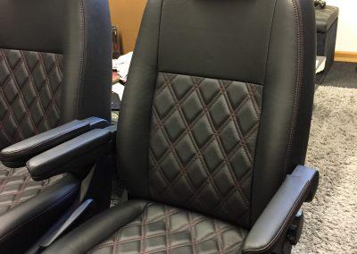 14-t5-leather-seats-purple-stitching