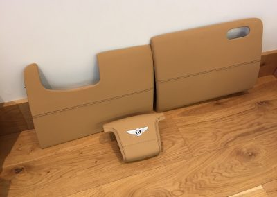 17-bentley-continental-gt-nappa-leather-panels-logo