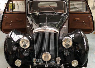 18-1954-classic-bentley-interior-restoration-saddle-leather