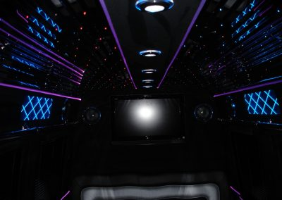 18-limousine-interior-leather-seats-tv-led-ceiling