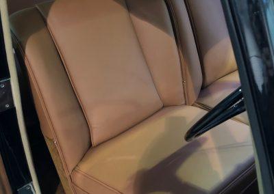 21-1954-classic-bentley-interior-restoration-saddle-leather
