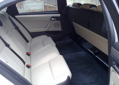 22-6-seater-mourning-car-interior-leather-seats
