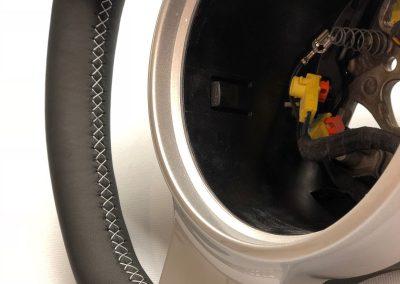 22-porsche-911-steering-wheel-leather-retrim