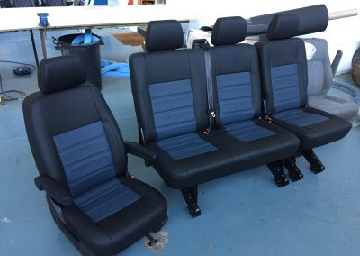24-t5-leather-seats-blue-embroidered-logo