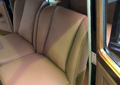 25-1954-classic-bentley-interior-restoration-saddle-leather