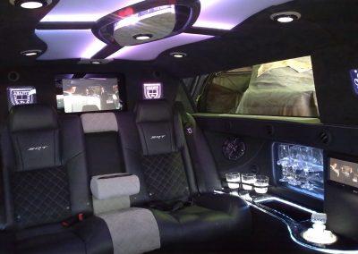 4-limousine-interior-leather-seats-tv-led-ceiling