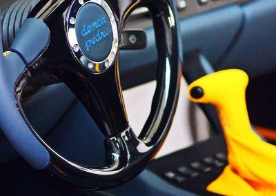 7-porsche-944-leather-steering-wheel-dashboard-